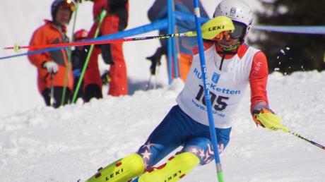 Im Alter von zwei Jahren stand Niklas Opdenhoff aus Betlinshausen das erste Mal auf Skiern. Mittlerweile nimmt der 19-Jährige erfolgreich an Rennen teil.