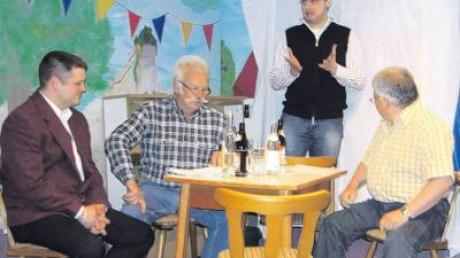 Mit dem Thema Gemeindejubiläum befassten sich in einem Sketch von links Stefan Fischer, Siegfried Rönsch, Martin Ruf und Rainer Botzenhart.