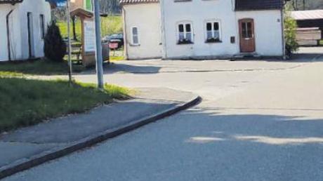 Die Kirchhaslacher Straße soll auf einer Länge von 150 Metern grundlegend saniert werden.