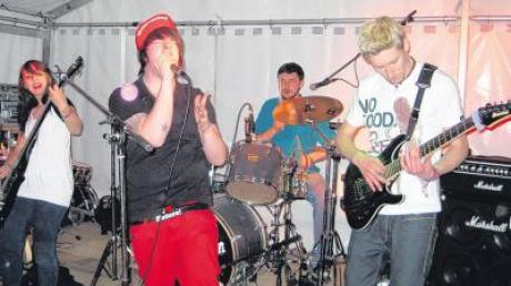 """Die Günzburger Band """"Blame Confession"""" präsentierte eine Mischung aus Rock und Metal."""