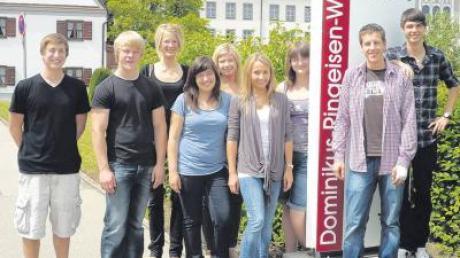 Persönlichen Horizont erweitert: Auszubildende der Firma Wanzl waren zu Gast im Dominikus-Ringeisen-Werk.