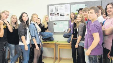 Wo gibt es heute noch Mauern: Mit dem Thema haben sich Ursberger Schüler vor den Ferien befasst und sich mit MN-Redakteur Maximilian Czysz ausgetauscht.