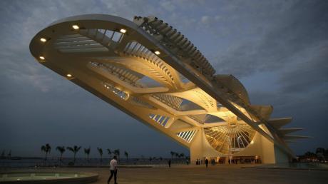 """Rio de Janeiro putzt sich zu den Olympischen Spielen 2016 heraus. Das """"Museum of Tomorrow"""" entworfen von Santiago Calatrava beherbergt alles zum Thema Nachhaltigkeit und hat ein ausgefeiltes Dachsystem."""