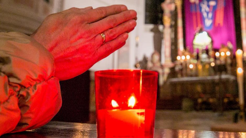Im Landkreis Günzburg gibt es drei neue Geistliche, die sich um die Gläubigen kümmern.