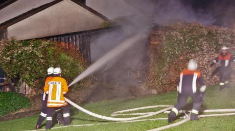 Die Feuerwehr brachte das Feuer schnell unter Kontrolle.