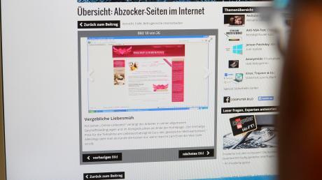 Auf speziellen Service-Seiten im Internet wird über die vielfältigen Betrugsmaschen informiert. Auch die Polizei bietet Hilfe an.