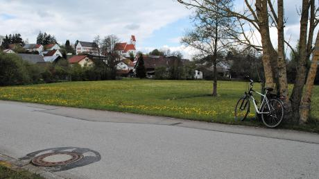 Die Brühlstraße (hier im Bild) und die Mühlgasse in Ebershausen werden im Sommer saniert. Kosten entstehen den Anliegern keine.