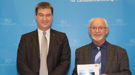 Dr. Markus Söder empfing Ebershausens Bürgermeister Herbert Kubicek, um den Förderbescheid für schnelles Internet zu überreichen.