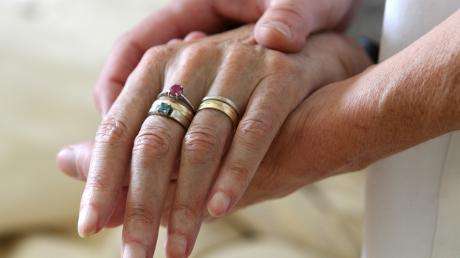 In schwerer Stunde nicht allein: Seit 15 Jahren gibt es in Krumbach eine Hospizinitiative (Symbolbild).