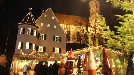 In eine weihnachtliche Zauberwelt verwandelt sich Edelstetten am Freitagabend. (Archivbild)