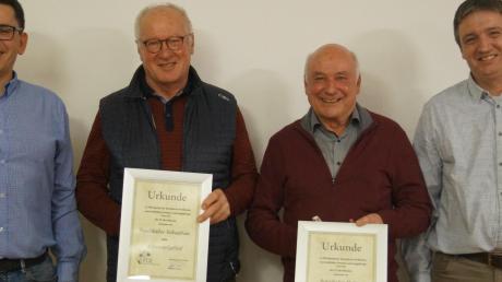 Ehrungen gab es beim FC Ebershausen, der stolz auf seine beiden neuen Ehrenmitglieder ist. Unser Bild zeigt von links: Vorstand Martin Keppeler, Sebastian Faulhaber, Heinz Schnitzler und den Vorstand der Finanzen, Alexander Hupfer.