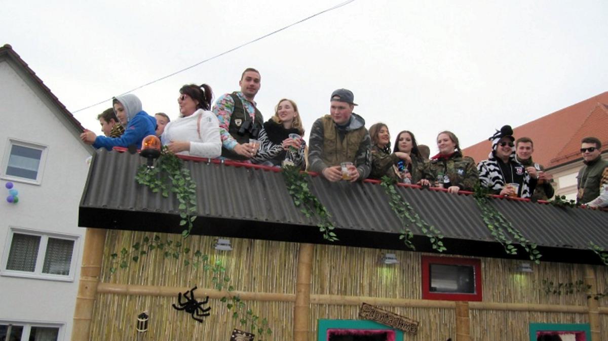 Grosser Faschingsumzug In Balzhausen Nachrichten Krumbach