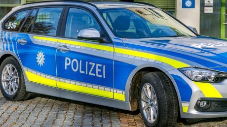 Polizeiauto_blau091.jpg