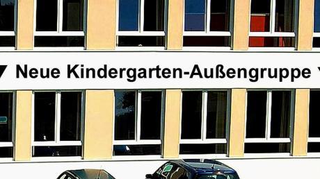 Der untere Schulsaal der ehemaligen Volksschule von Aletshausen wird seit geraumer Zeit als Sitzungssaal des Gemeinderates genutzt. Auf zwei Jahre befristet sollen nun Vorschulkinder des gemeindlichen Kindergartens hier untergebracht werden.