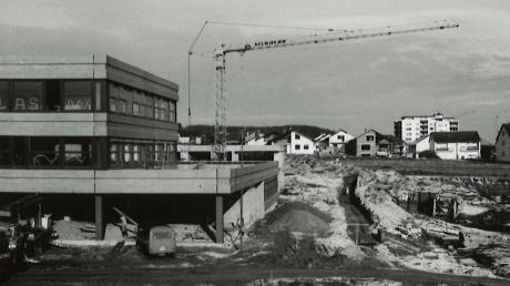 Copy%20of%20Schulzentrum_-_Neubau_ca._1977_-_2.tif