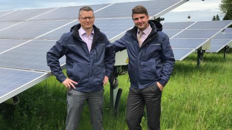 Die Energiegenossenschaft PV-Park Niederraunau-Aletshausen wurde 2012 gegründet. Unser Bild zeigt von links Christian Mayerhörmann (Vorstand) und Technikspezialist Christoph Rittler.