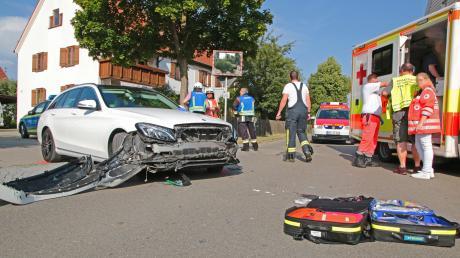 Bei einem Unfall in Deisenhausen wurde ein junger Motorradfahrer erheblich verletzt.