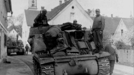 Das Kriegsende 1945: Das Foto zeigt den Einmarsch der Amerikaner in Krumbach.