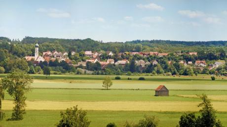 Münsterhausen, das Straßendorf an der Mindel, ist durch die Dorferneuerung schöner und lebenswerter geworden. Der Abschluss der Dorferneuerung wird mit dem Marktfest am kommenden Sonntag gefeiert.