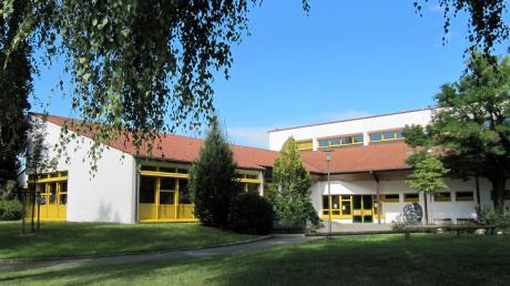 """Zu einem """"Zweckverband Digitale Schulen"""" wollen sich die Schulen im Landkreis Günzburg zusammenschließen. Mit dabei soll auch die Grundschule in Münsterhausen sein."""
