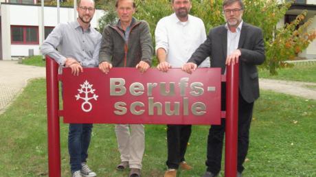 Der Vorstand des Freundeskreises der Berufsschule Ursberg (von links): Andreas Gantenhammer (Schriftführer), Herbert Hafner (1. Vorsitzender), Harry Vogt (Kassierer) und Peter Habla (2. Vorsitzender).