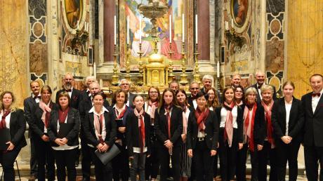 Der Neuburger Kirchenchor war mehrere Tage auf Pilgerreise in Rom und umrahmte dabei unter anderem eine Messe im Petersdom.