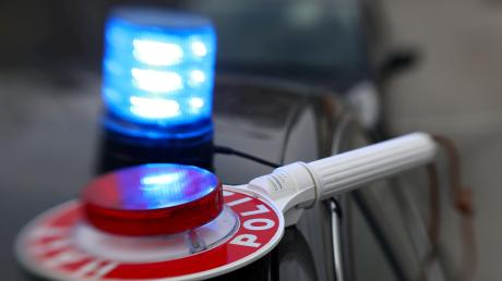 Ein 62-Jähriger ist bei einem tragischen Unfall in Hitzhofen von einem Radlader überrollt worden.