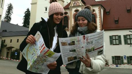 Der neue Ortsplan weckt Interesse und ist ab sofort an vielen Stellen in Ursberg kostenfrei erhältlich.