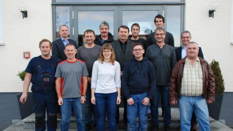 In einer eigenen Feierstunde ehrten der Geschäftsführer Hugo Schneider und Personalleiter Harald Gruber langjährige Mitarbeiterinnen und Mitarbeiter der Firma Lingl.