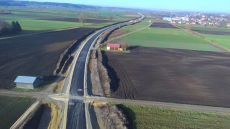 Rund vier Kilometer lang ist die neue Westumgehung von Münsterhausen. Die Straße nimmt inzwischen sichtbar Gestalt an.