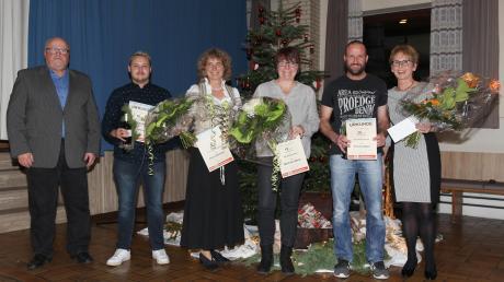 Dank an vier verdienstvolle Mitarbeiter des TSV Balzhausen (von links): 2. Vorsitzender Wilfried Neu, Markus Keisinger (10 Jahre), Diana Weidner (20), Manfreda Miller (15), Thomas Baur (20) und die 1. Vorsitzende Karola Wieser.