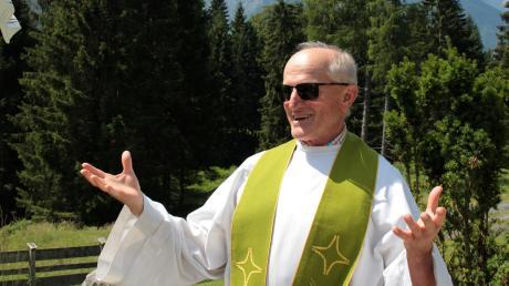 Mirko Cavar, Pfarrer von Münsterhausen, Burtenbach und Kemnat, geht ab September in den Ruhestand. Unser Bild zeigt ihn während einer Bergmesse bei Garmisch-Partenkirchen im vergangenen Jahr.