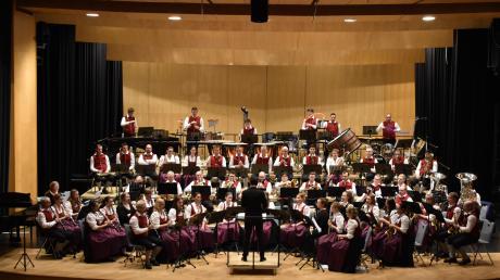 Der Musikverein Krumbach während seines Auftritts beim Internationalen Blasmusik-Kongress in Neu-Ulm.