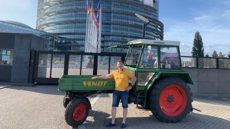 """Der Sitz des Europäischen Parlaments in Straßburg: Für Bernhard Weindl aus Langenhaslach war das ein Ziel seiner """"Europareise"""" mit dem Fendt."""
