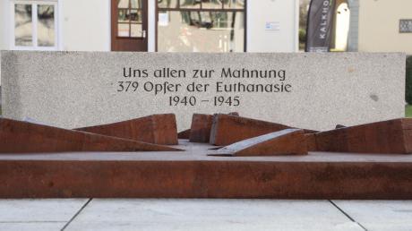 Das Mahnmal im Ursberger Klosterhof erinnert an die Menschen, die aufgrund ihrer Behinderung von den Nationalsozialisten ermordet wurden.