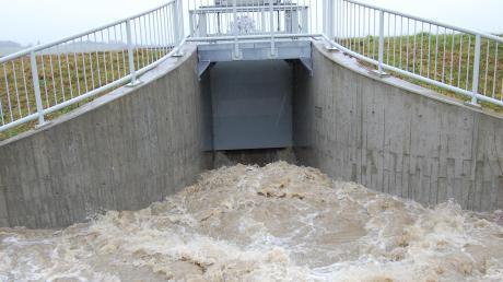 Für die Regulierung der Drosselvorrichtung an der Hasel bei Balzhausen ist das Wasserwirtschaftsamt zuständig.