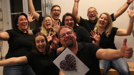 """Der Theaterverein Wiesenbach freut sich auf die neue Theatersaison mit dem Stück: """"Das Paradies ist anderswo oder: Eine Leiche auf Abwegen""""."""