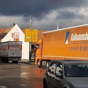 In der Banhofstraße ist der Verkehr oft dicht. Die Stadt Krumbach möchte ein neues Verkehrskonzept auf den Weg bringen.