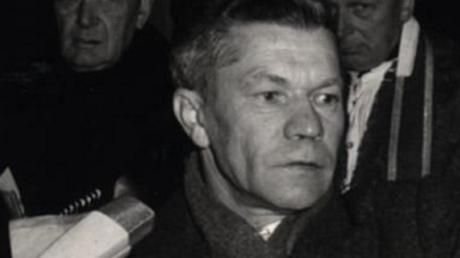 Ludwig Mayer im Dezember 1967 als Bürgermeister bei der Grundsteinlegung für die Kirche Maria Hilf.