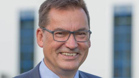 """Zwölf Jahre ist Bürgermeister Hubert Fischer (JW-OL) im Amt. Er spüre eine """"große Dynamik"""" in sich, die anstehenden Aufgaben weiter anzugehen."""