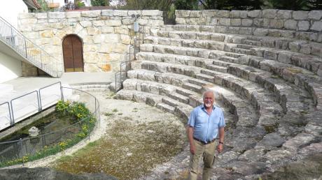 Auf eine Saison wie 2019 ohne einen regenbedingten Abbruch in seinem Amphitheater in Mindelzell hofft Engelbert Schmid auch für die neue Saison, für die er das Programm jetzt vorgestellt hat.