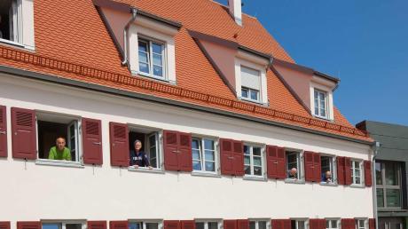 """Seit 2010 ist im ehemaligen Gasthaus """"Zur Sonne"""" mit einer Wohngemeinschaft des Dominikus-Ringeisen-Werks, dem Haus Elija, wieder Leben eingekehrt."""