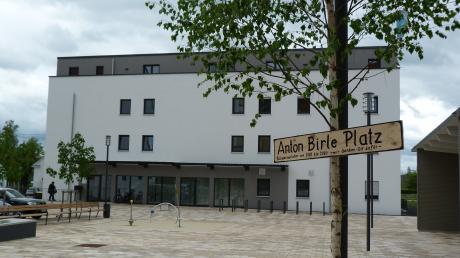 Ein Anton-Birle-Platz für Ziemetshausen? Für den langjährigen Bürgermeister wurde jetzt ein besonderes Maiele gesetzt.