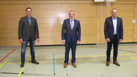 Die drei neu gewählten Bürgermeister von Münsterhausen: Bildmitte 1. Bürgermeister Erwin Haider (bisher 2. Bürgermeister), rechts Manfred Alt (er wurde erneut zum 2. Bürgermeister gewählt) und links Johannes Wiest (3. Bürgermeister).