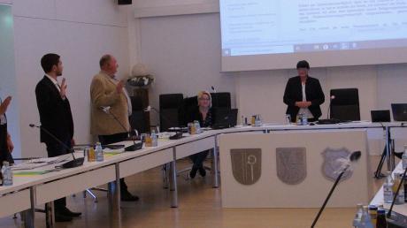 Fünf neue Gemeinderatsmitglieder wurden in Ellzee vereidigt.