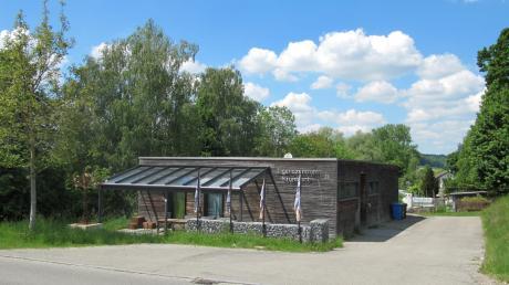 Das Krumbacher Jugendzentrum in der Hans-Lingl-Straße war schon vor der angeordneten Schließung drei Wochen lang Quarantäne-Herberge für einen Obdachlosen – der Test fiel allerdings negativ aus.