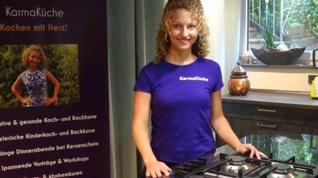 Die Ernährungsberaterin Ramona Kuen in ihrem neuen Kochstudio in Edenhausen.