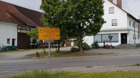 Die innerörtliche Staatsstraßenkreuzung in Langenhaslach erhält eine Querungshilfe mit Mittelinsel.