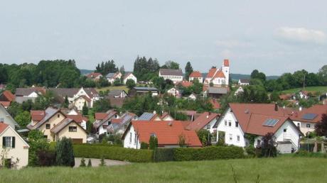 Blick auf Ebershausen. Der Gemeinderat spricht sich dafür aus, weiteres Bauland zur Verfügung zu stellen.