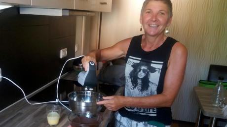 Christina Pfeuffer aus Neuburg stellt in der Zuckerguss-Spezialausgabe ihren Zupfkuchen und ihre Eierlikör-Pralinen vor.